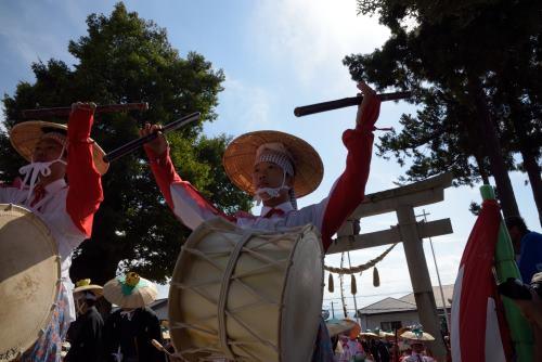三ノ宮神社へ.JPG